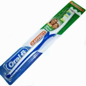 Зубная щетка Oral-B эффект Классик